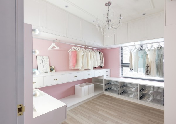 closet-with-chandelier