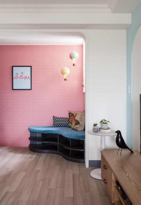 upholstered-corner-seat