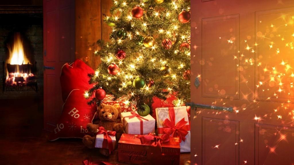 Новогодняя елка в доме. Artyhomes.ru