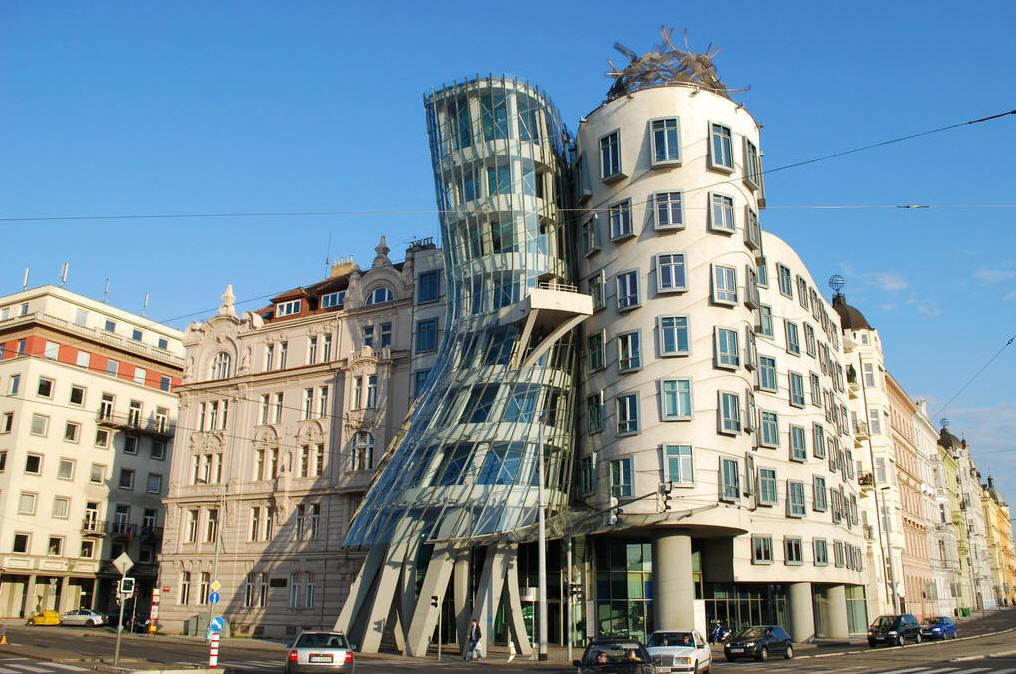 Танцующий дом в Праге (Чехия). Фото. Artyhomes.ru