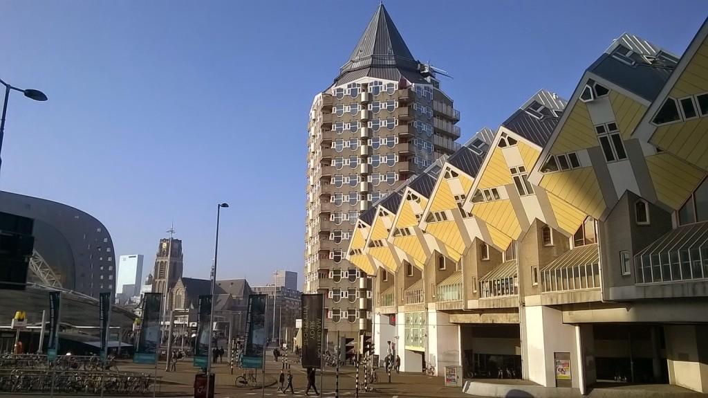 Кубические дома в Роттердаме. Kubuswoningen