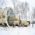 Необычный дом в форме колец на Урале.