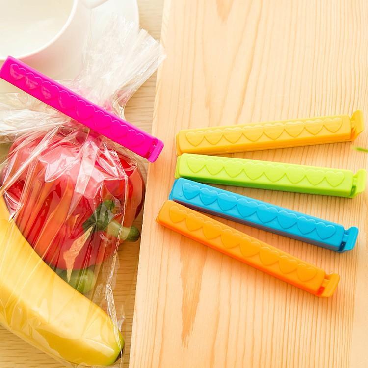 Colored-Plastic-clips-artyhomes.ru-2