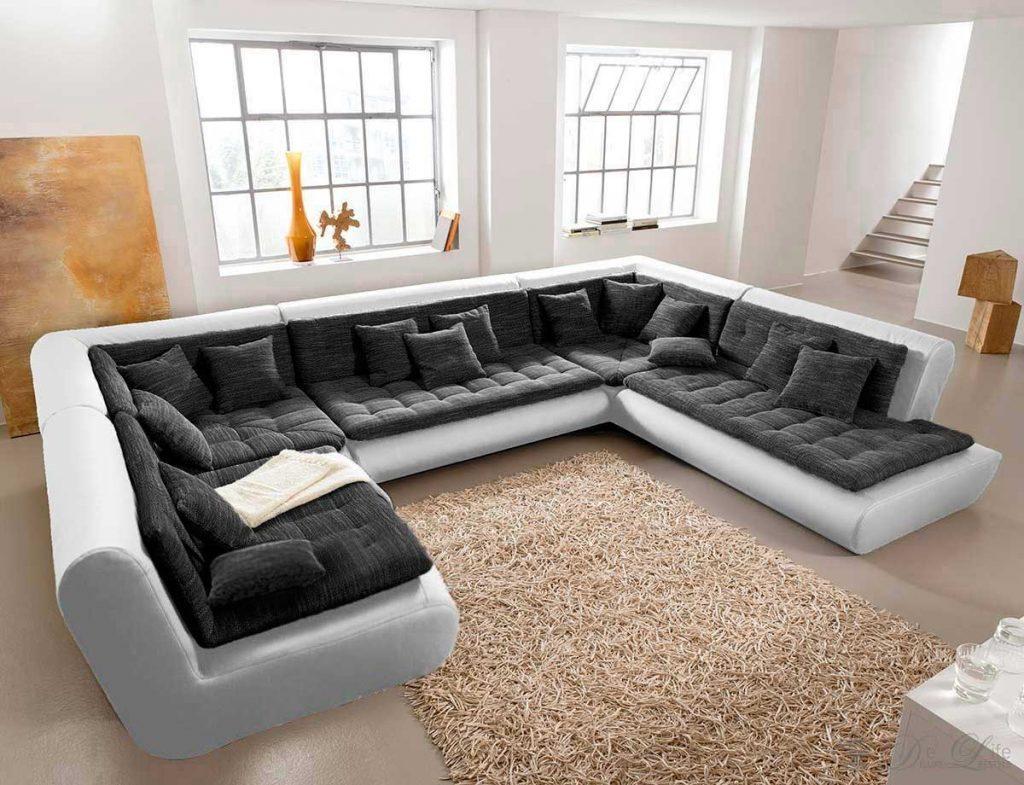 Модульный диван в гостиной